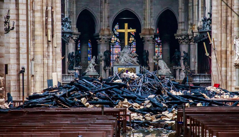 Presidente francésfija en cinco años reconstrucción de la catedral de Notre Dame