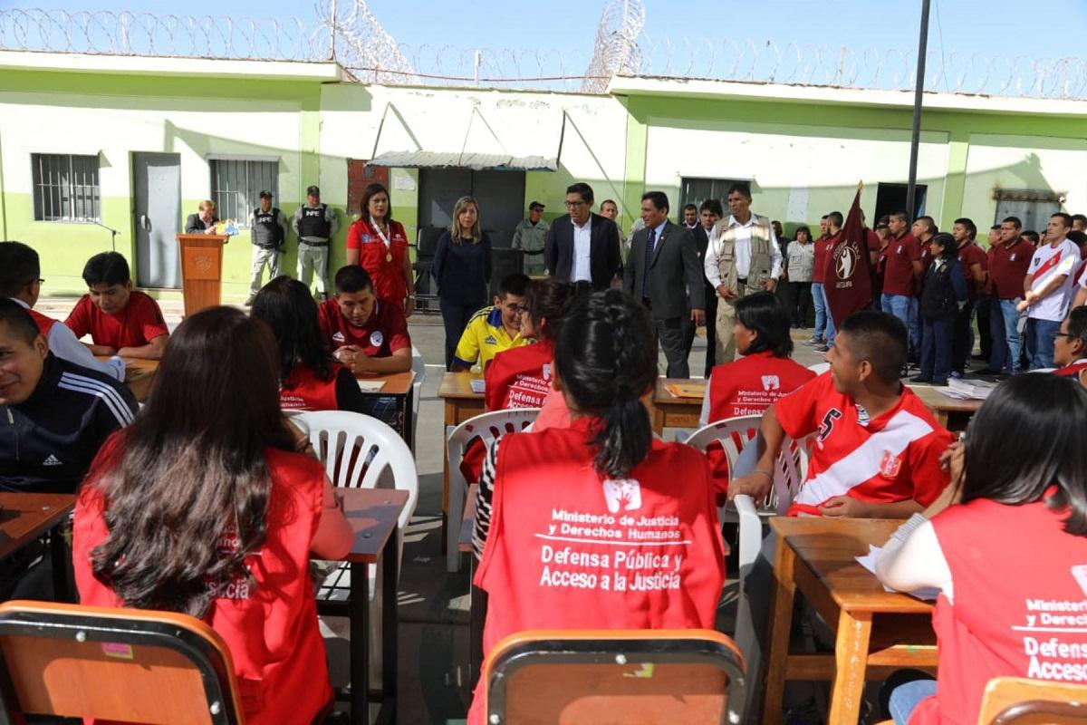 Arequipa: Zeballos supervisó avance de obras de ampliación en el penal