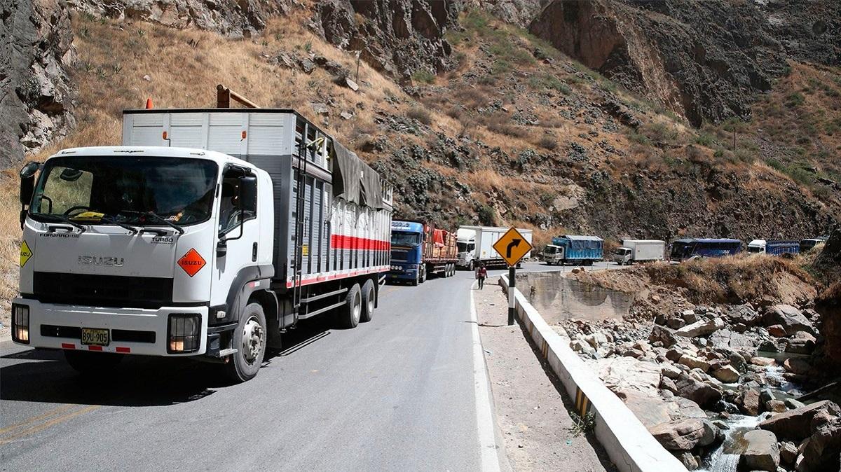 Invertirán 400 millones de soles para mejorar vías alternas de la Carretera Central