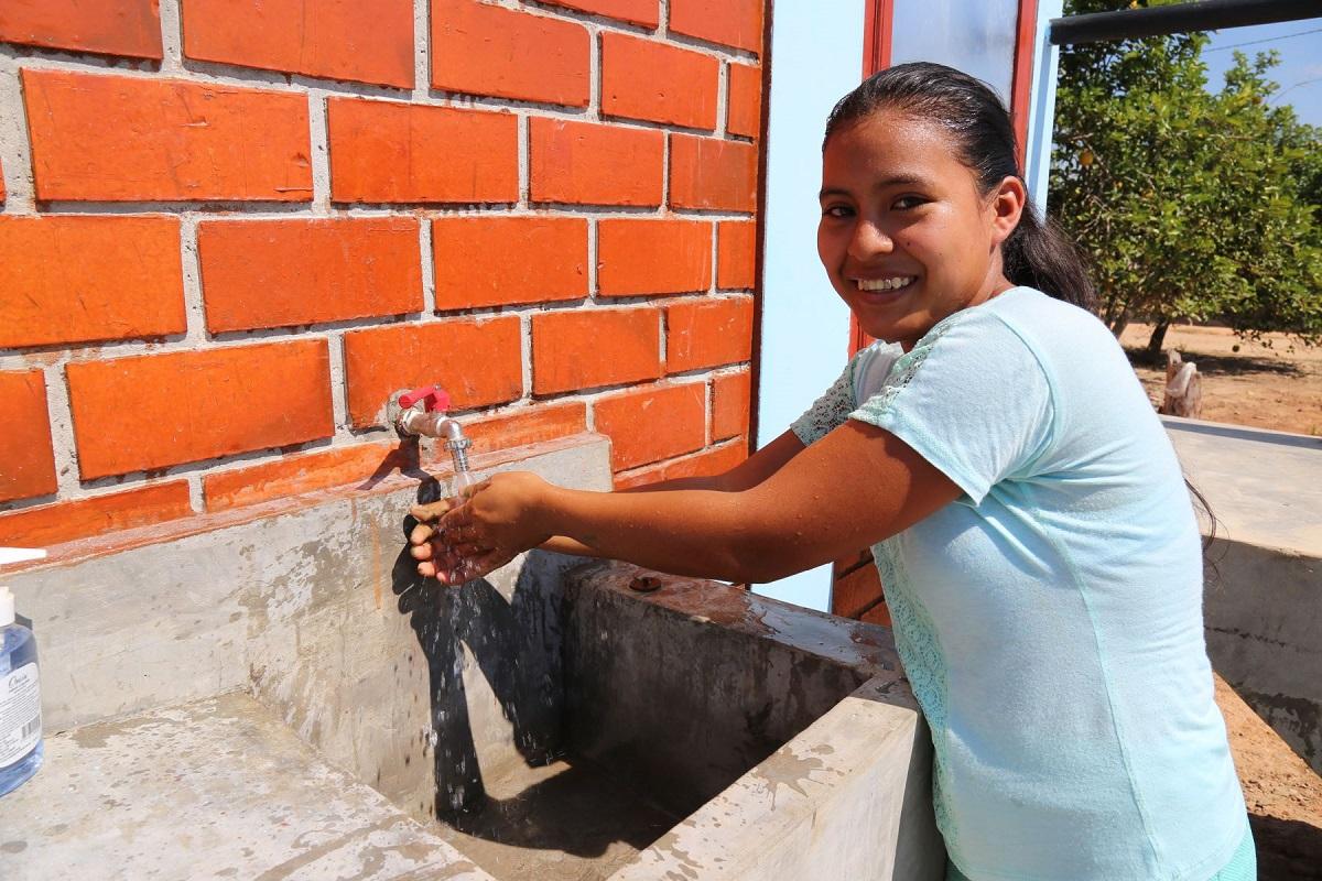 Gobierno aprobó normas para el acceso universal al agua potable y alcantarillado
