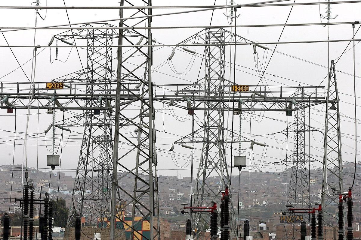 Menor caída en sector electricidad refleja recuperación económica
