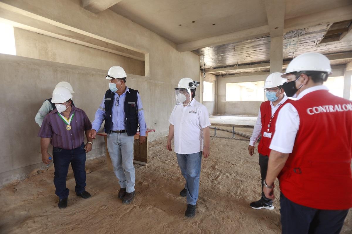 Contraloría realizará operativo nacional para fiscalizar calidad de expedientes de obras públicas