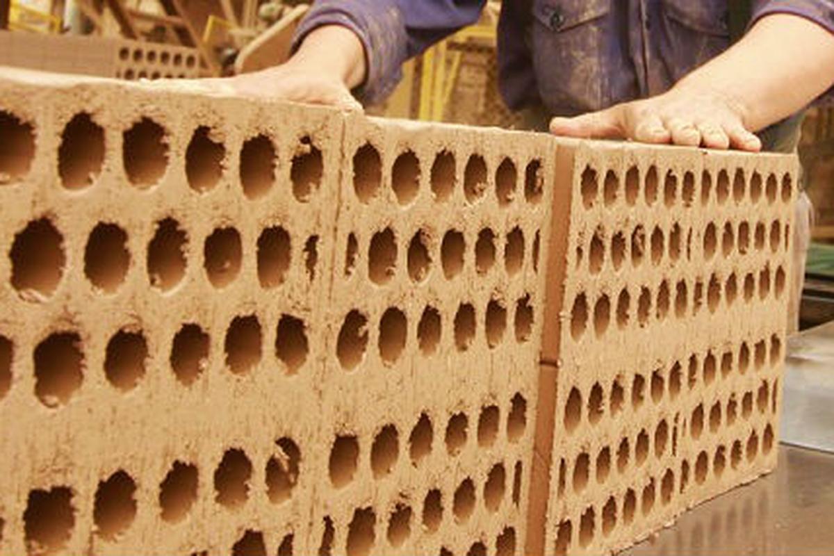Chile: Reutilizan relaves mineros para confeccionar ladrillos